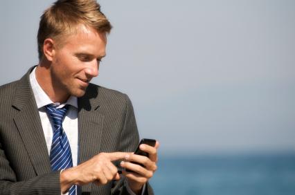 Man phone sea