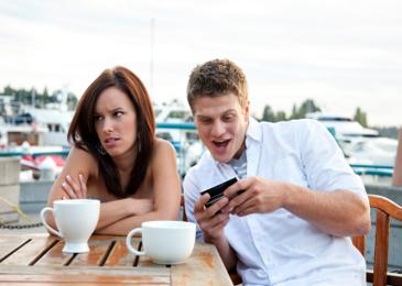 Pew-smartphone-agenda2